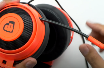 what headset does pewdiepie use